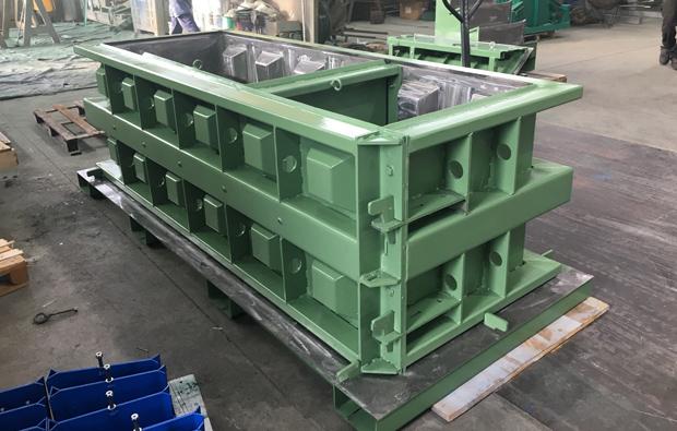Concrete block casting moulds - C R Stampi Srl